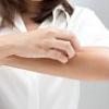 接触性皮膚炎とアトピーの違いは?アレルギーを起こしやすい金属はコレ!