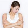 皮膚に赤い盛り上がりができた原因│もしもの時のための蕁麻疹の応急処置