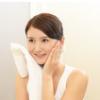 朝の水洗顔後に皮がめくれるワケ|角質層を傷めないタオルドライのコツ