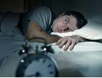 アトピー肌の痒みで疲れ昼夜逆転|はじめての睡眠導入剤の選び方